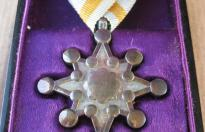 JAPANESE MEDAL ORDER OF SACRED TREASURE WITH BOX 1