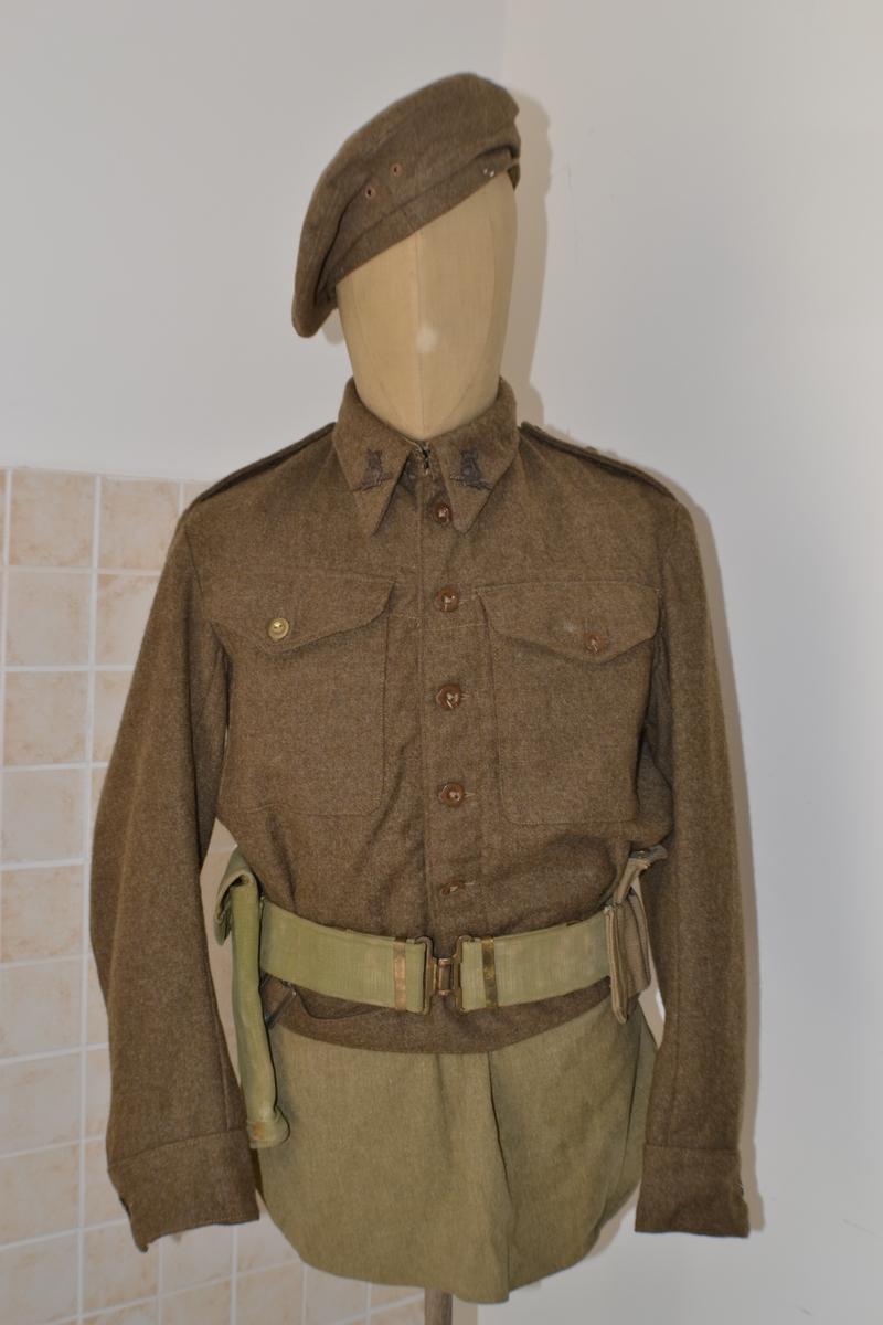 Uniformi completi bellissimo completo inglese seconda for Bellissimo in inglese