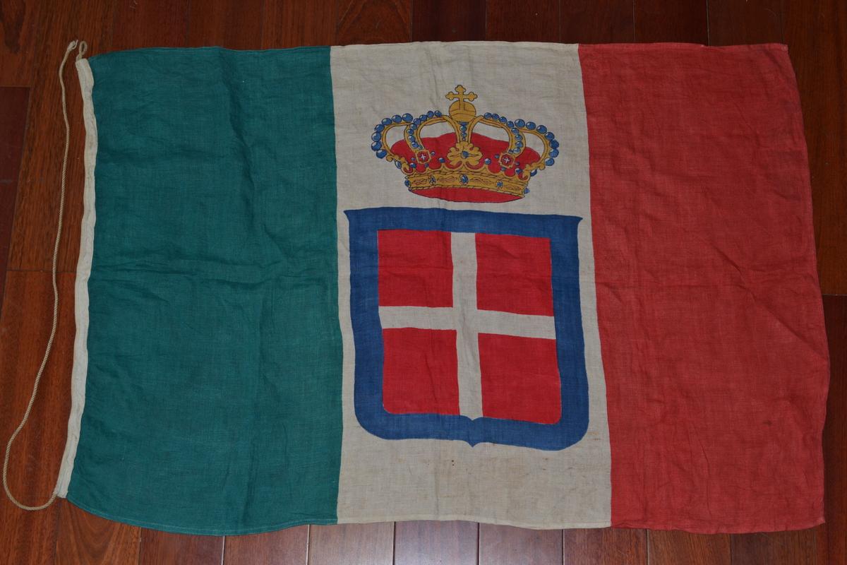 Bandiere splendida bandiera italiana da for Bandiera di guerra italiana