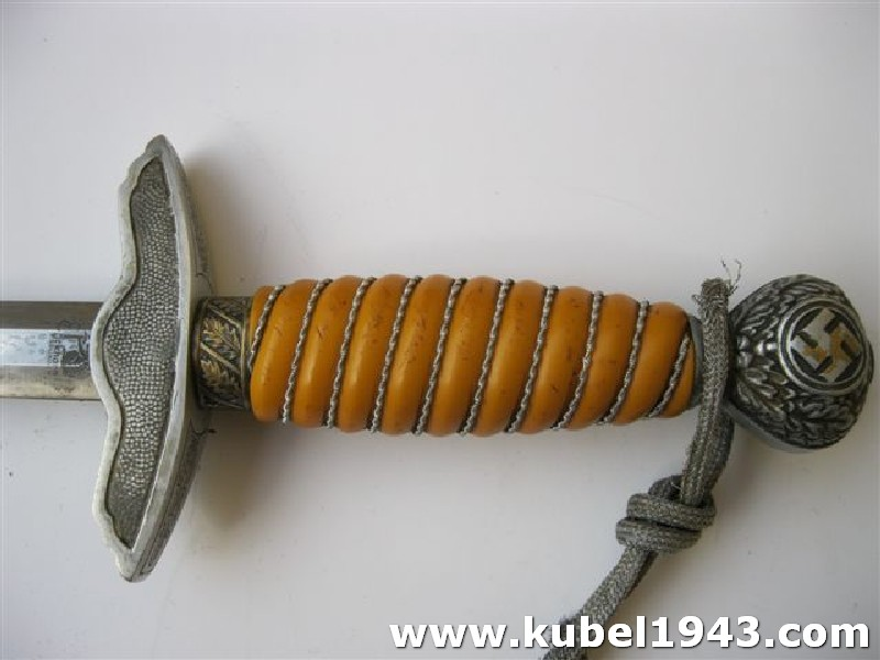 Daghe------------Genuine germany luftwaffe dagger 2 type for officer